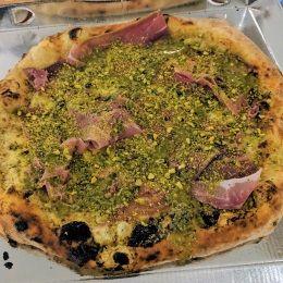 Pizza 'Pistacchissimo' napoletana - I Colori della Pizza