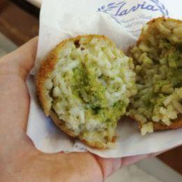 Arancinu al pistacchio - Pasticceria Savia (Catania)