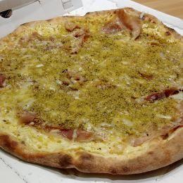Pizza al pistacchio - Pizzeria Raciti (Catania)